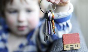 Что делать, если купил квартиру с прописанным человеком и из которой не было выписки при продаже собственником