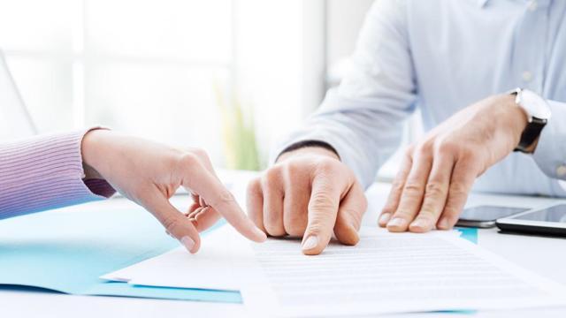 Как осуществить продажу комнаты в коммунальной квартире и получить согласие соседей: какие документы  нужны для сделки?