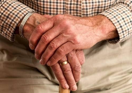 Льготы по оплате за капремонт для льготных категорий граждан: кому положены и где оформить? Кто имеет право на компенсации и субсидии, кроме пенсионеров и инвалидов, и кому они предоставляются?