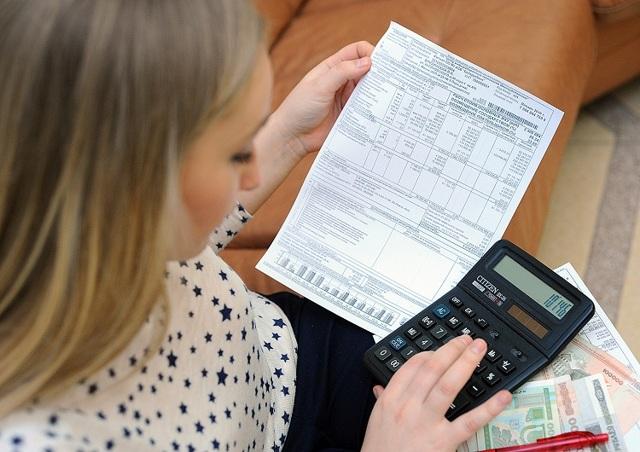 На какие услуги ЖКХ распространяются льготы: есть ли льготы в 50% на коммунальные платежи, и кто помимо бюджетников может рассчитывать на помощь государства при оплате счетов за квартплату