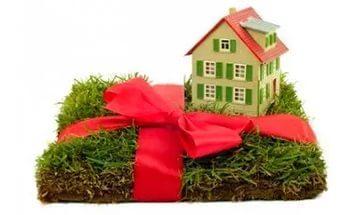 Оформление дарственной на дом и землю, документы: какие нужны, образцы договора и заявления
