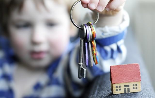 Приватизация квартиры с несовершеннолетними детьми – права ребенка, документы для участия