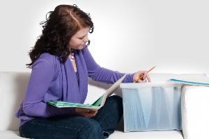 Домовая книга на частный дом и квартиру в многоквартирном доме: формы 11 и 18, цена нового бланка, можно ли разделить и вносить записи самостоятельно, образец заполнения, скачать и распечатать