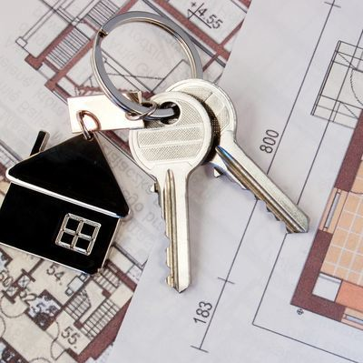 Дарение квартиры постороннему: как оформить на третье, чужое лицо, не родственнику?