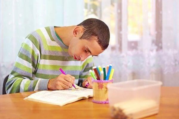 Ребенок-инвалид и льготы на коммунальные услуги: особенности и порядок предоставления его семье скидок по квартплате и ЖКХ
