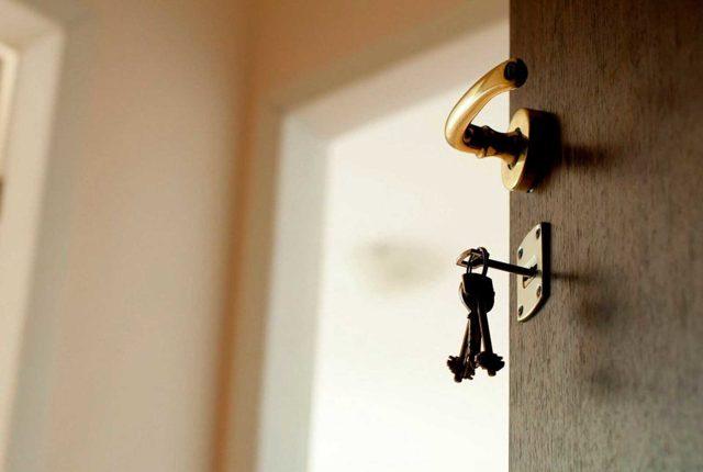 Как выписать из приватизированной квартиры прописанного человека без согласия, собственника, ребенка?