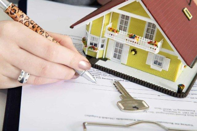 Продажа квартиры: какие нужны документы и порядок сделки купли-продажи, кто платит, с чего начать, пакет и перечень бумаг для самостоятельного оформления