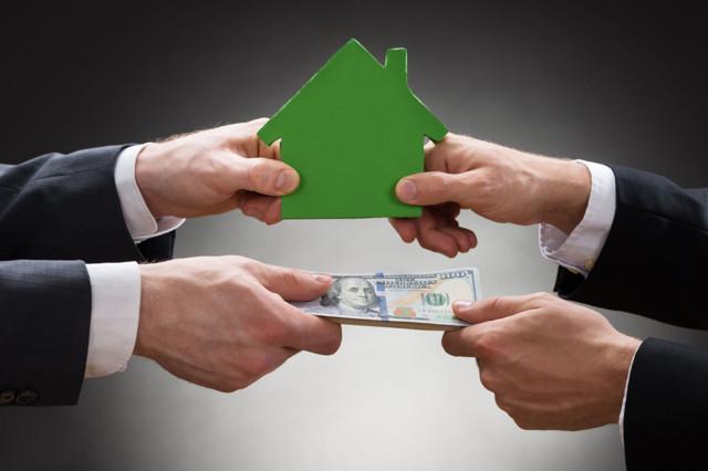 Продажа квартиры по ипотеке: риски продавца и покупателя, а также подводные камни и минусы для поручителя и стоит ли бояться обмана?