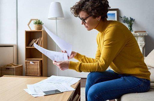 Можно ли продать квартиру, если она в ипотеке Сбербанка и купить другую: как сдавать жилье, взятое в кредит, в наем, и какие документы понадобятся?