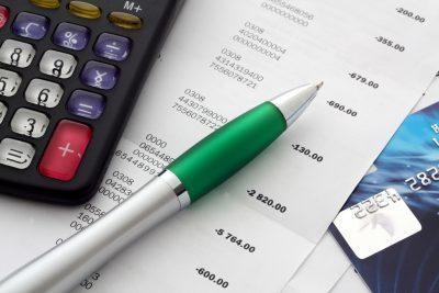 Расчет квартплаты и бухгалтерия ЖКХ: правила и особенности ведения работ по учету, отчетности и проводок в управляющей компании, в том числе при УСН