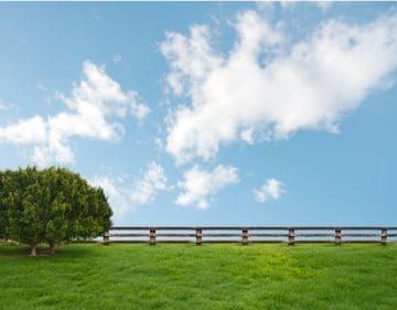 Каковы основания прекращения земельного сервитута земельного участка? Почему может быть трудно отменить обременение?