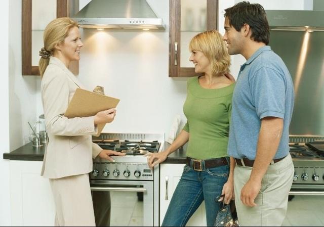 Что нужно знать при покупке квартиры в новостройке от застройщика? Какие документы нужно проверить?