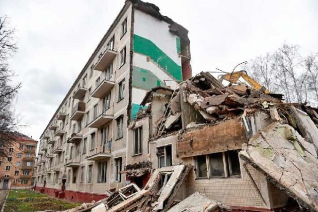 Переселение из аварийного жилья и ветхих домов под снос: особенности программы и права собственников, а также какие новые квартиры полагаются гражданам?