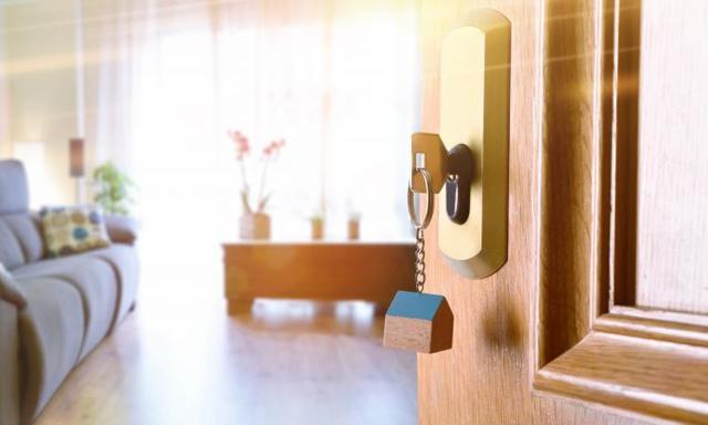 Кому дают ипотеку на жилье или кто может взять кредит на квартиру: как узнать, на каких условиях выдают заем и сколько нужно отработать, чтобы получить его в банке?
