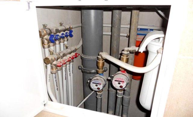 Замена стояка канализации в квартире, обязанность ЖКХ или собственников, в чем разница ремонта отопления в жилье и подъезде, как написать заявление: образец