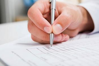 Дарим квартиру по доверенности: образец договора дарения доли и целой квартиры, различные нюансы составления
