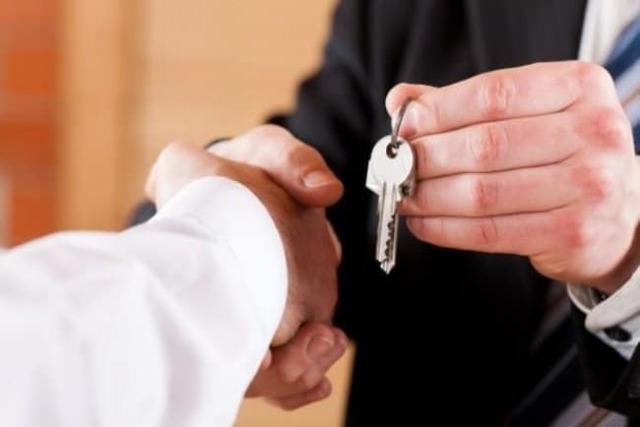 Договор ипотеки: особенности его заключения с банком при покупке жилья, между физическими лицами и на долю квартиры, а также дальнейшие действия после подписания