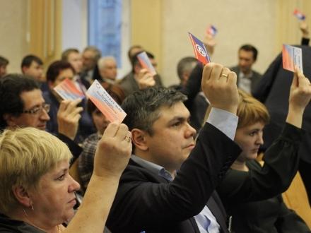 Кто может управлять ТСЖ и как сменить способ руководства, а также можно ли провести выборы и переизбрание членов при должностях посредством заседания?