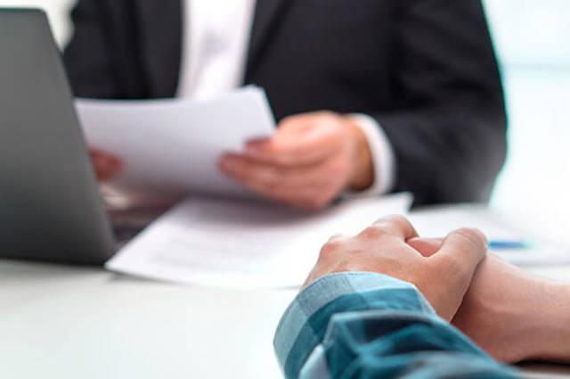 Может ли председатель ТСЖ привлекаться со стороны и где прописаны его права, обязанности и полномочия, что он вправе делать на своем месте?