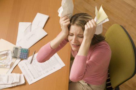 Иск по взысканию задолженности по ЖКХ: можно ли оплатить ее во время судебного разбирательства, а также пример образца заявления приставам