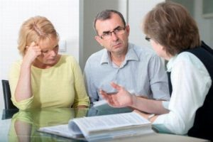 Наследование квартиры без завещания между близкими родственниками: как вступить в наследство по праву после смерти супруга, отца или жены?