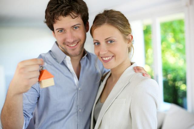 Ипотека на одного из супругов: как можно узнать о кредите партнера до брака и что делать, если муж не хочет брать ссуду, а квартира оформлена на собственника-жену?