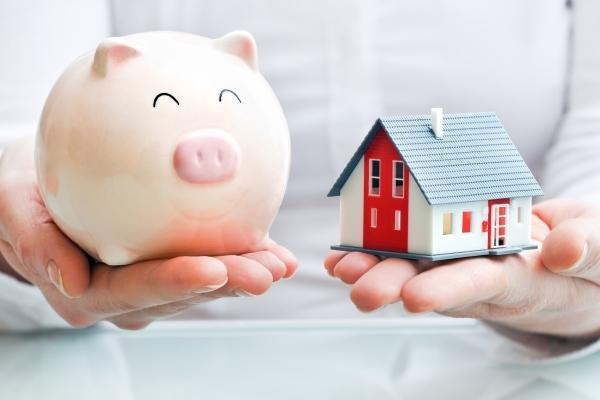 Какие банки занимаются рефинансированием кредитов, взятых в других учреждениях: информация об условиях для данной процедуры относительно потребительских займов и ипотеки в таких конторах, как Росбанк, МДМ, Росевробанк, Юникредит, МКБ